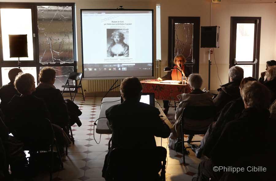 Conférence sur Mme de Staël par Elsa Brun. Saint-Aubin Château Neuf, 14 mars. Photo  © Philippe Cibille